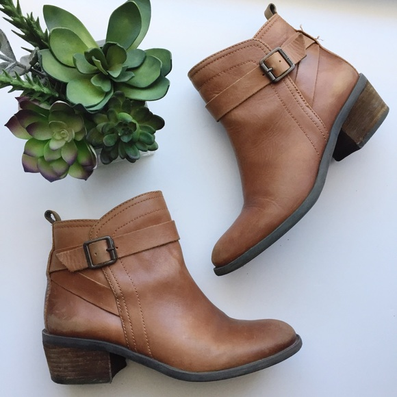 7f621209c4b Vince Camuto VP-Beamer Brown Leather Ankle Boots. M 5bd65e1bde6f621285c50b67